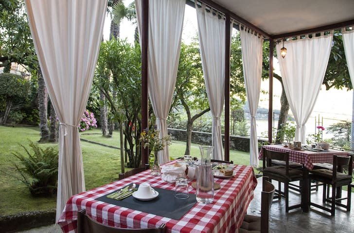 Superb lake view villa with B&B - Laglio - Bed & Breakfast