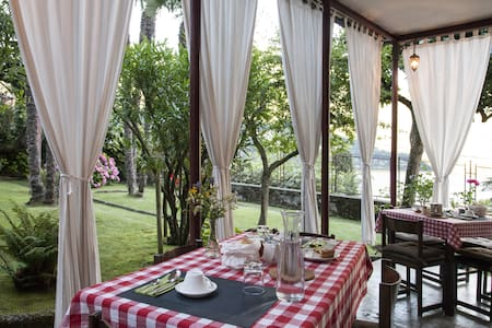 Superb lake view villa with B&B - Laglio