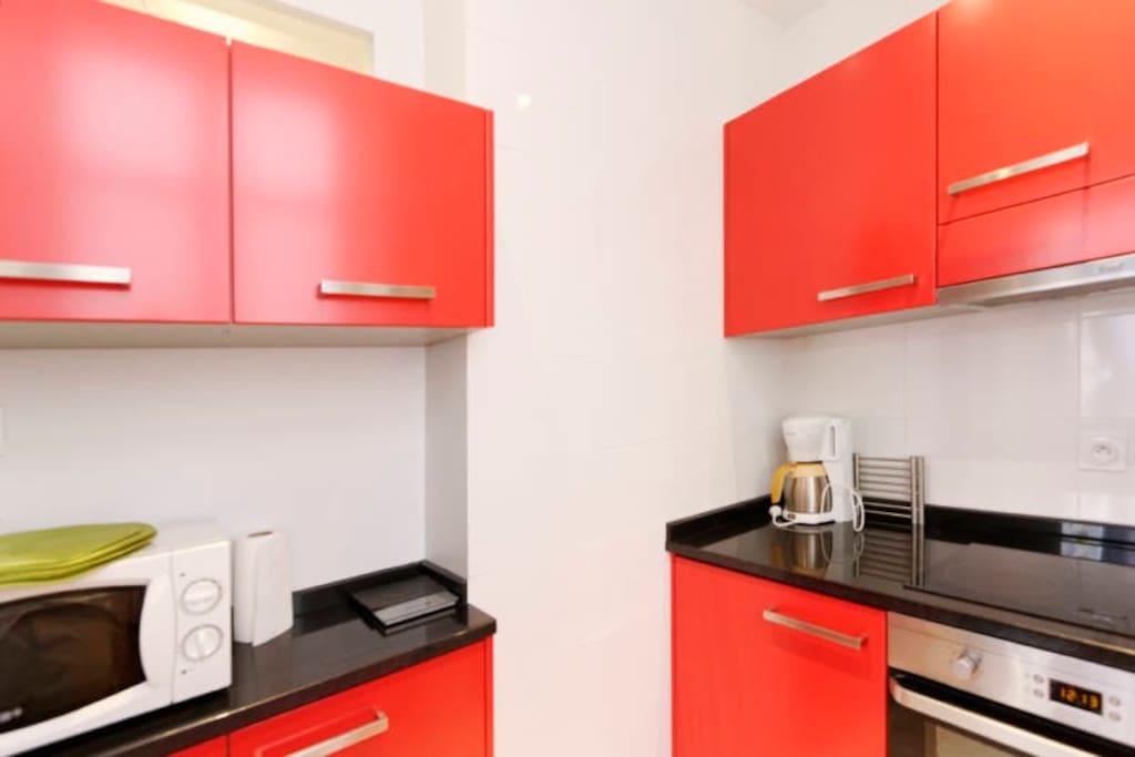cuisine entièrement équipée grande qualité d'aménagement.