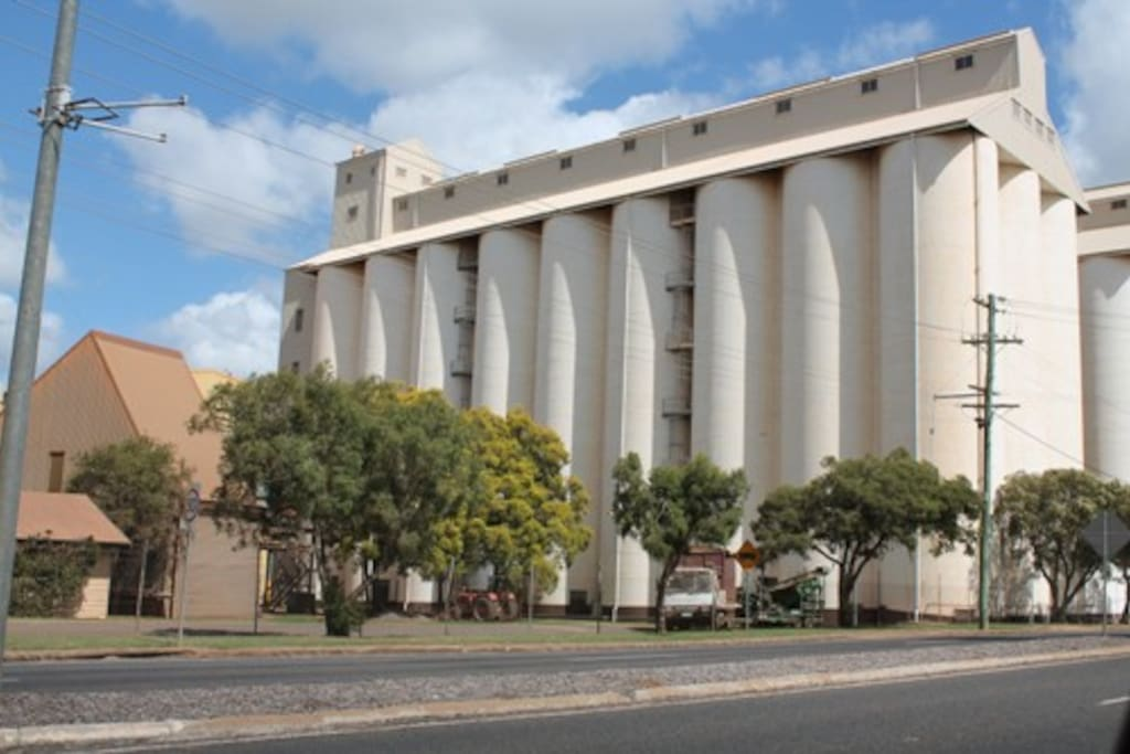 Kingaroy is a farming community.  Silos are near the centre of town.