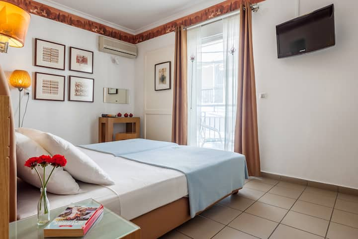 Hotel Akti double room with town view