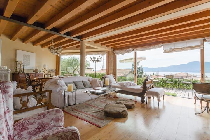 Villa elegante vista lago - Torri del Benàco - Casa