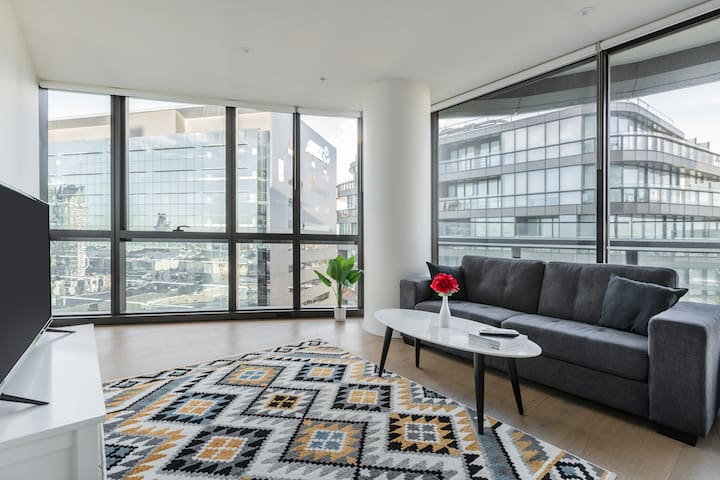 Corporate 1 Bedroom service apartment 83N