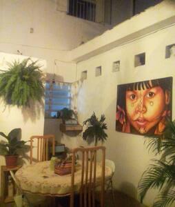 Casa perto do metrô Santos Imigrantes para relaxar