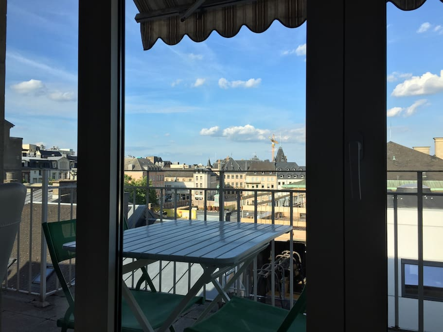 our terrace with a view over the palace and Guillaume II square