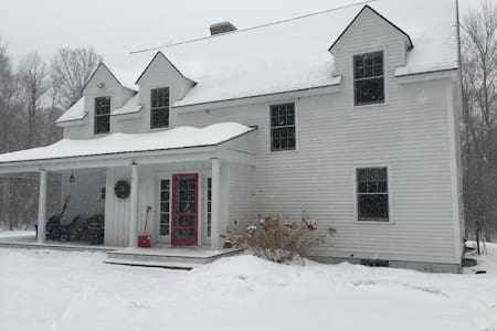 Stunning VT Farm House minutes to Stratton/Bromley - Londonderry - Haus