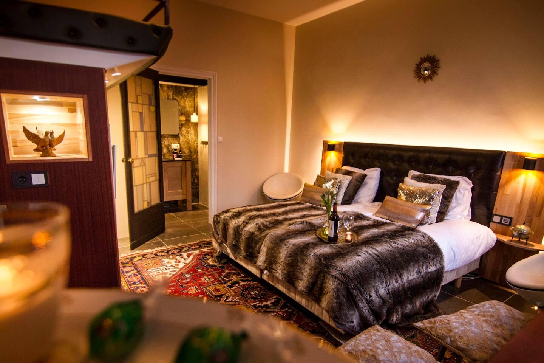 Luxe Badkamer Amsterdam : Luxe kamer met prive badkamer en eigen opgang ! reihenhäuser zur