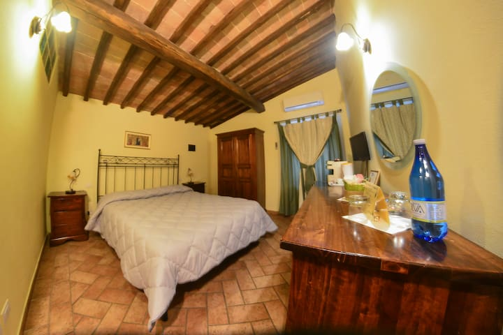 double room at the gates of Siena - Sovicille - Bed & Breakfast