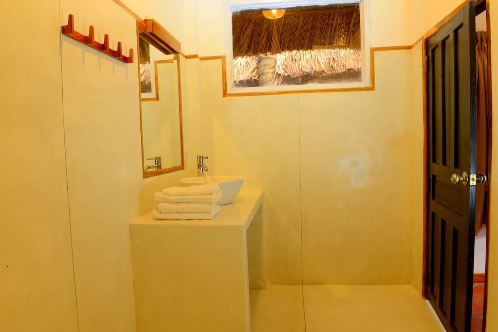 Garden View Bungalow Bathroom