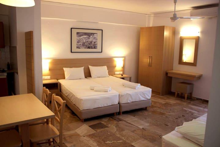 Cozy luxury apartment in the center of Paleochora - Παλαιόχωρα - Apartamento