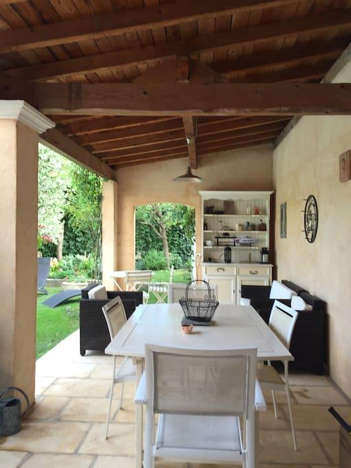Terrasse couverte