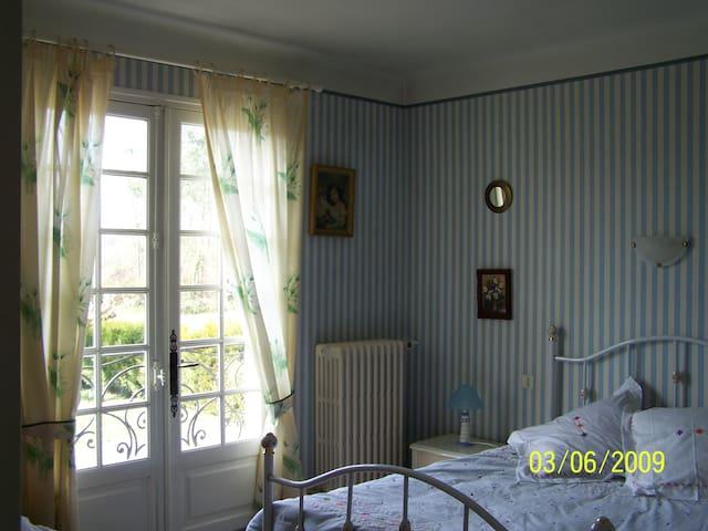 chambre dans villa - Labatut