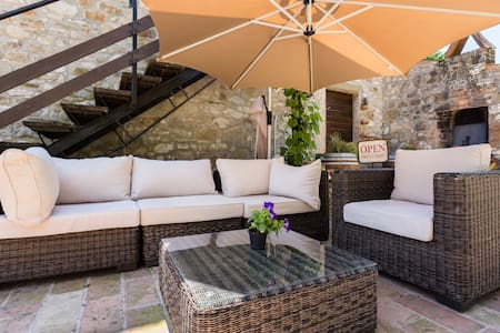 ONCE UPON A TIME.. A MILL B&B - Todi - Bed & Breakfast