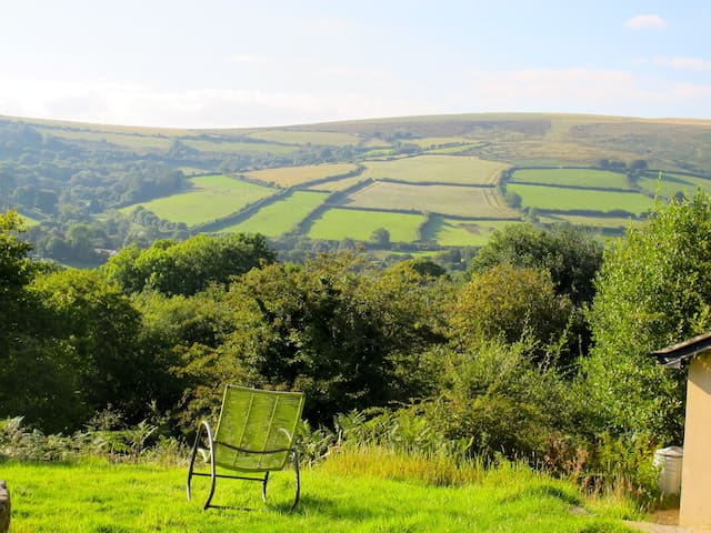 Beautiful Dartmoor Home Fantastic views Sleeps 6 - Widecombe in the Moor
