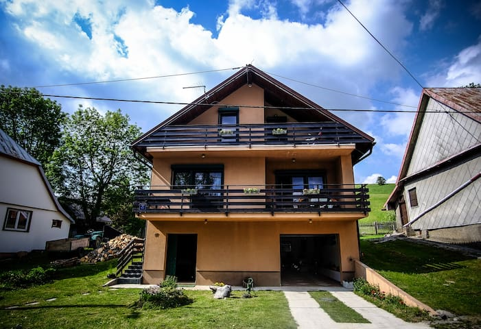 Kuća Bor / House Bor (Pine) - Mrkopalj - บ้าน