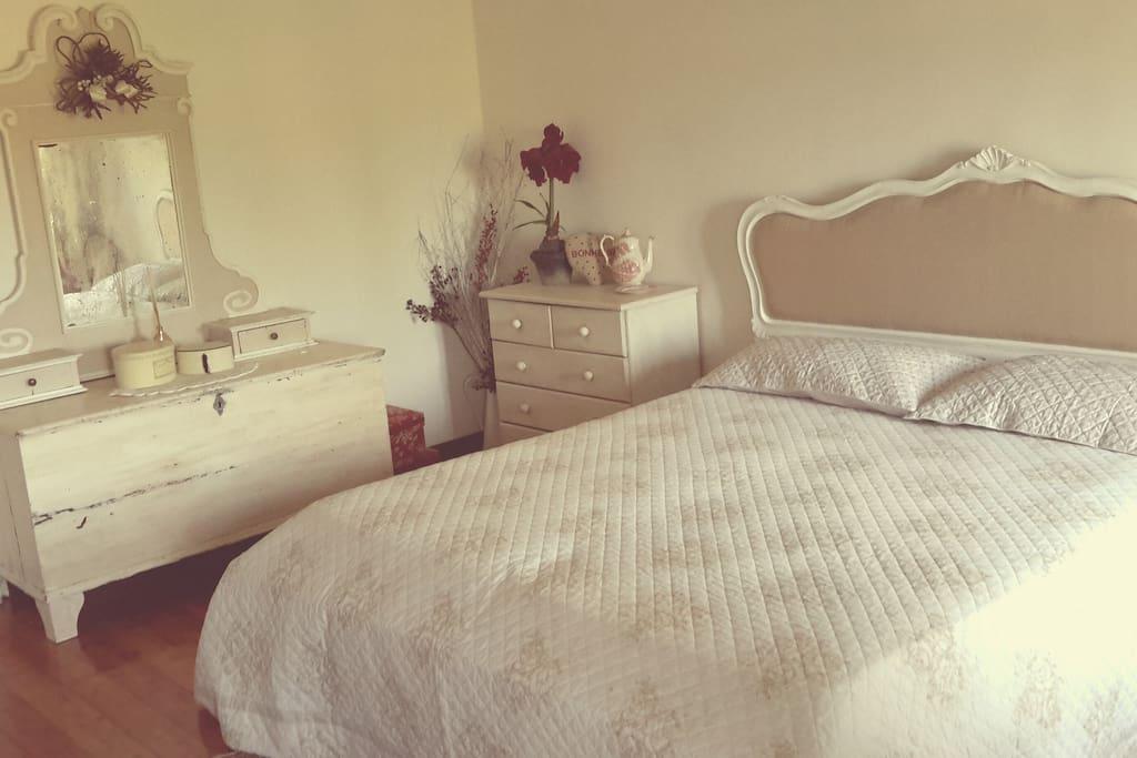 La camera da letto al secondo piano