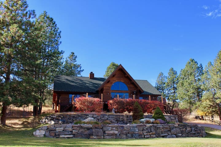Great Flathead Lake Home, Sailing Bay Retreat!