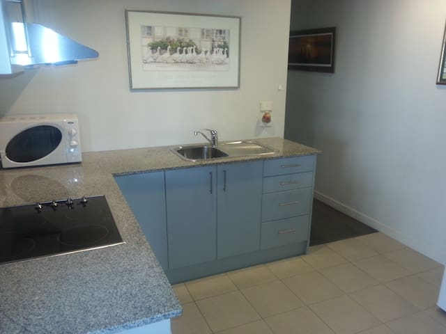 Flat in Browns Bay, close to town. - Auckland - Apartment