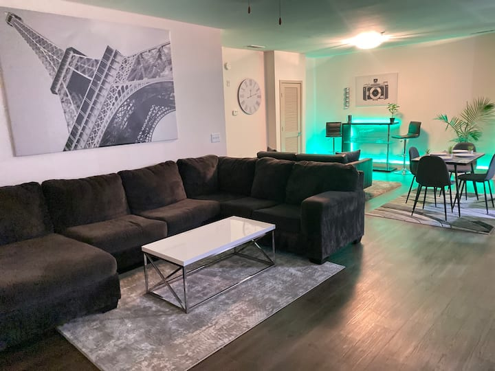 Spacious luxury living in the heart of the city
