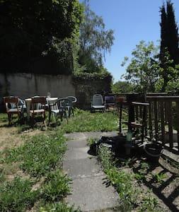 Petit studio avec jardin - Auvers-sur-Oise - Apartemen