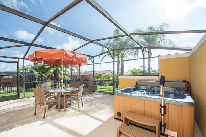 3 bed/2.5 bath & hot tub by Disney - Kissimmee - Casa