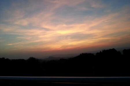 重庆三星级农庄豪华标间12个海拔1300米,推窗即见日出垂钓烧烤 - Villa