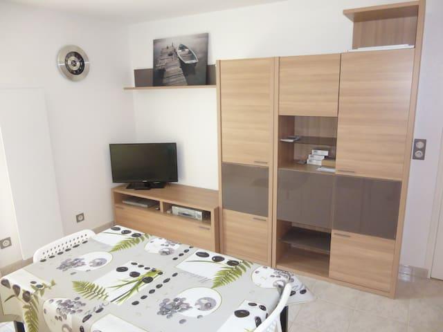 Studio meublé avec jardin à Tallende (Classé 3*) - Tallende - Huis