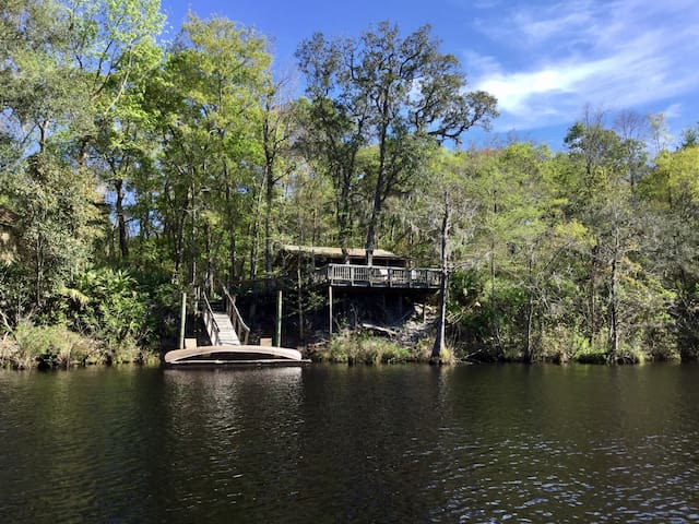 Cabin Getaway on St. Mary's River - Hilliard - Zomerhuis/Cottage