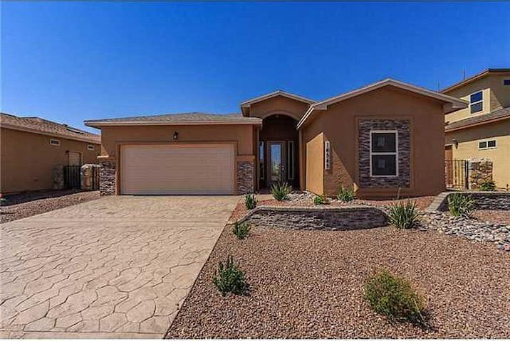 Beautiful and cozy home in east-side El paso