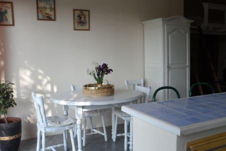 Appartement indépendant en campagne - Uchaux - อพาร์ทเมนท์