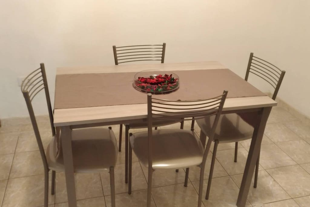 Tavolo soggiorno/cucina