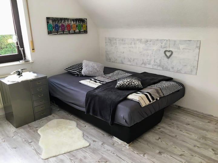 freundliches Privatzimmer in stilvollem Ambiente