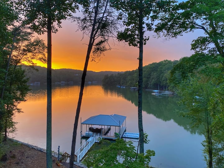 Hygge House on Lanier w/ private dock, hot tub