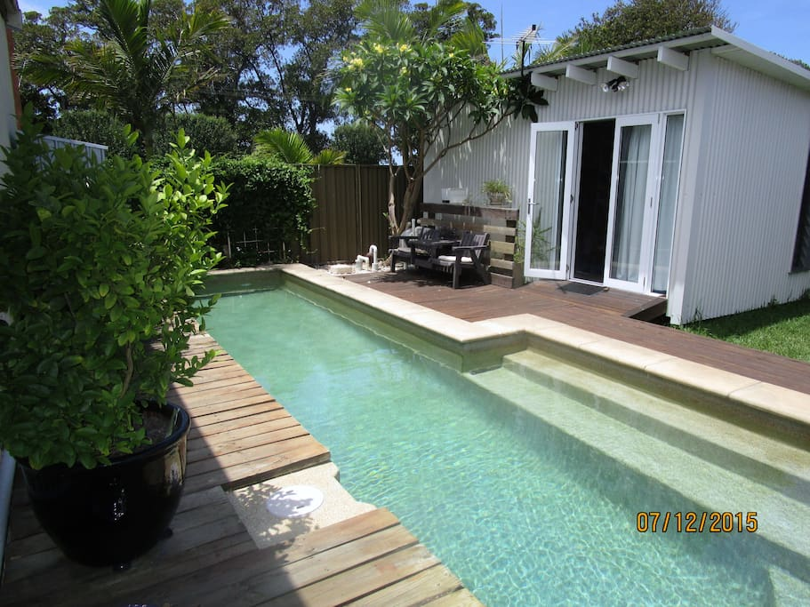 Small Cabin Islington With Lap Pool Aircon Cottages For Rent In Islington New South Wales