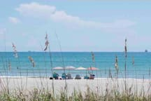 Cocoa Beach  We will be very happy to make available beach Towels, beach chairs, umbrella and ice cooler... just ask...