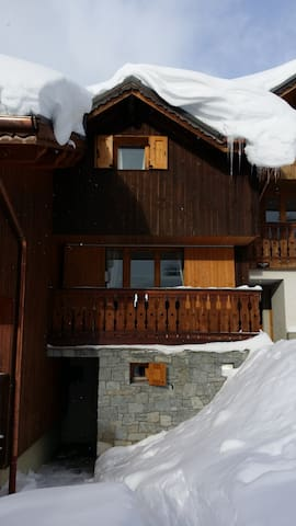 Main entrance of the chalet, south oriented. Do you like snow? Best place!!!