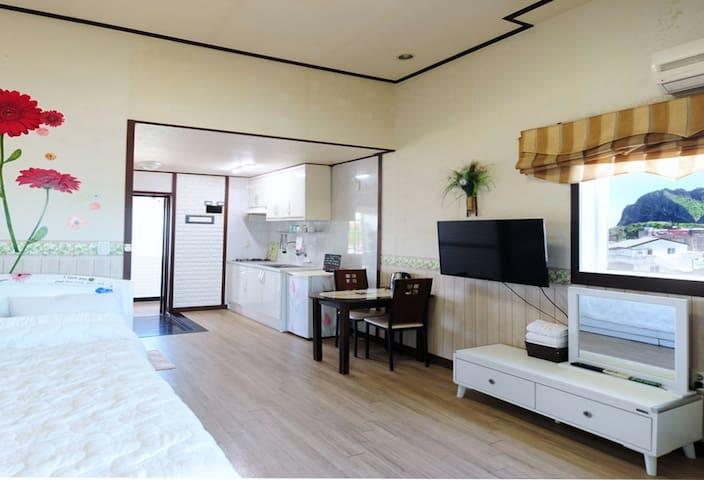 푸른제주펜션 [10평형 침대방]ㅣ - Seongsan-eup, Seogwipo-si - House