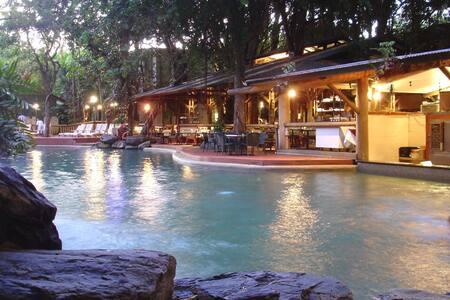 Ramada Resort Port Douglas Delux Room - Port Douglas - Hotellipalvelut tarjoava huoneisto