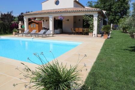 Villa 200 sq.m with swimming pool - Villeneuve-Loubet