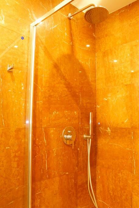 Dusch 2.