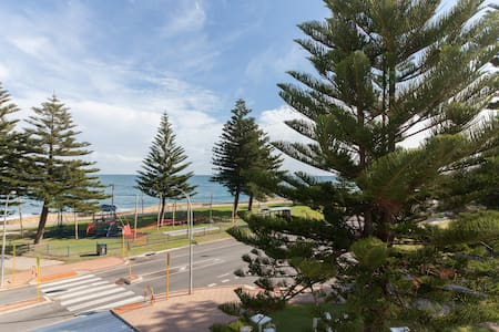 Beachfront apartment in Cottesloe - Wohnung