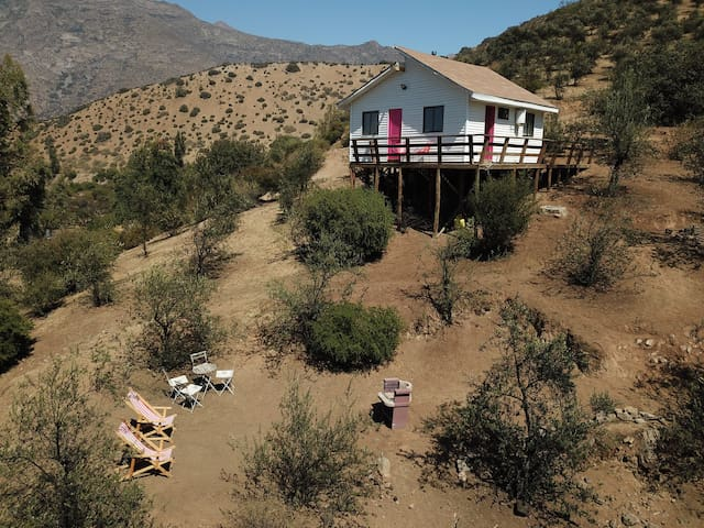 Small Modern Cabin in the Aconcagua Valley