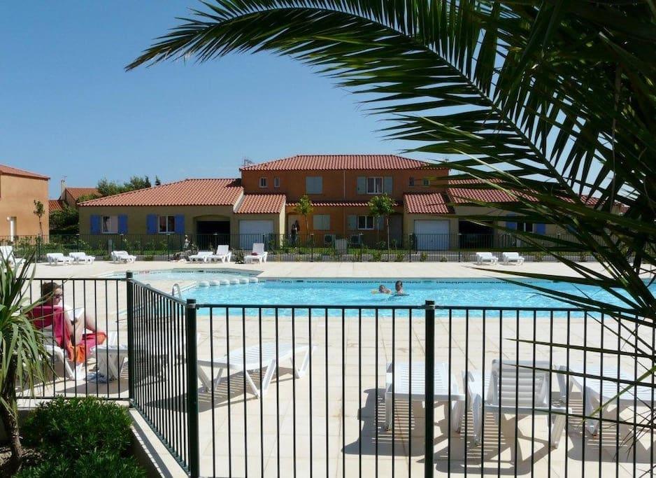 piscine privée et clôturée