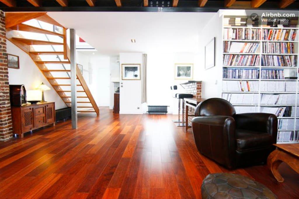 Chambre calme loft sous les toits appartements louer for Sous location chambre paris
