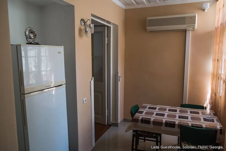 LADA Guest House (big) - Tbilisi - Bed & Breakfast