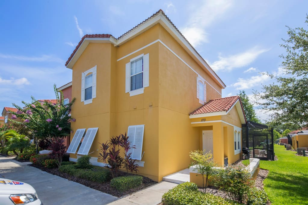 This terrific Tuscan village-style vacation town home with pool is nestled in the fantastic Terra Verde Resort, less than 5 miles from Walt Disney World® Resort.