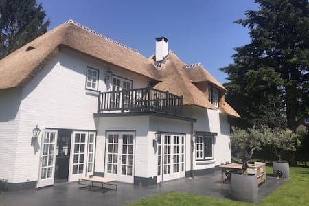 B&B Laren -Forest,  Spot, Wine, Bio - Bed & Breakfast