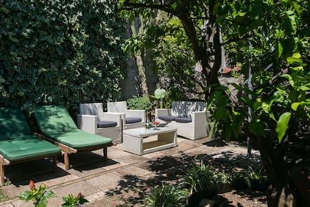 Milos- Terrace & Sea View Apartment - Zaton