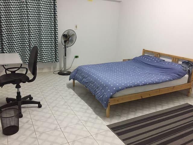 Cozy little room in Nasr City