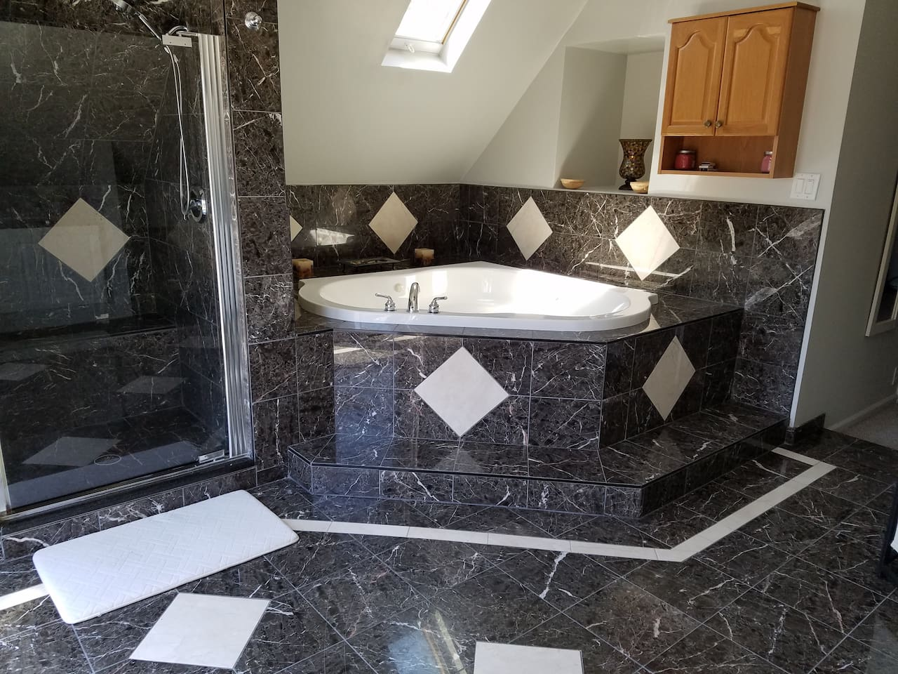 Master Bath with Jacuzzi, Marble Surround